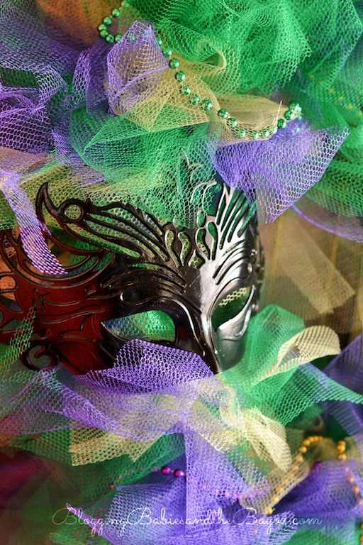 How to create an afordable DIY Mardi Gras Wreath