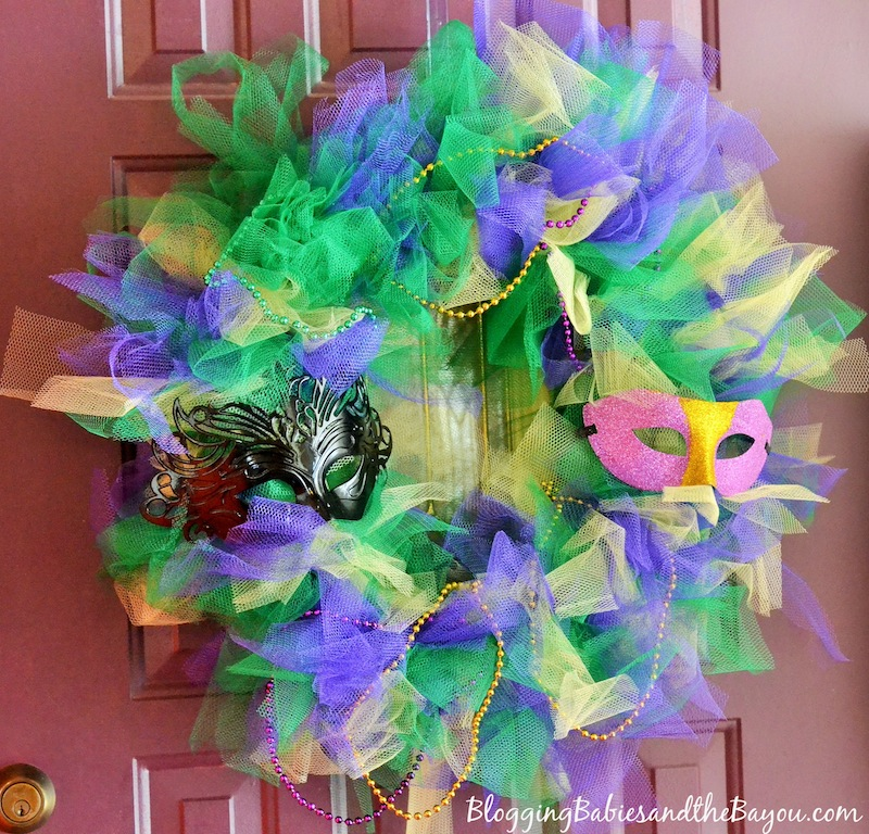 Making A Mardi Gras Wreath