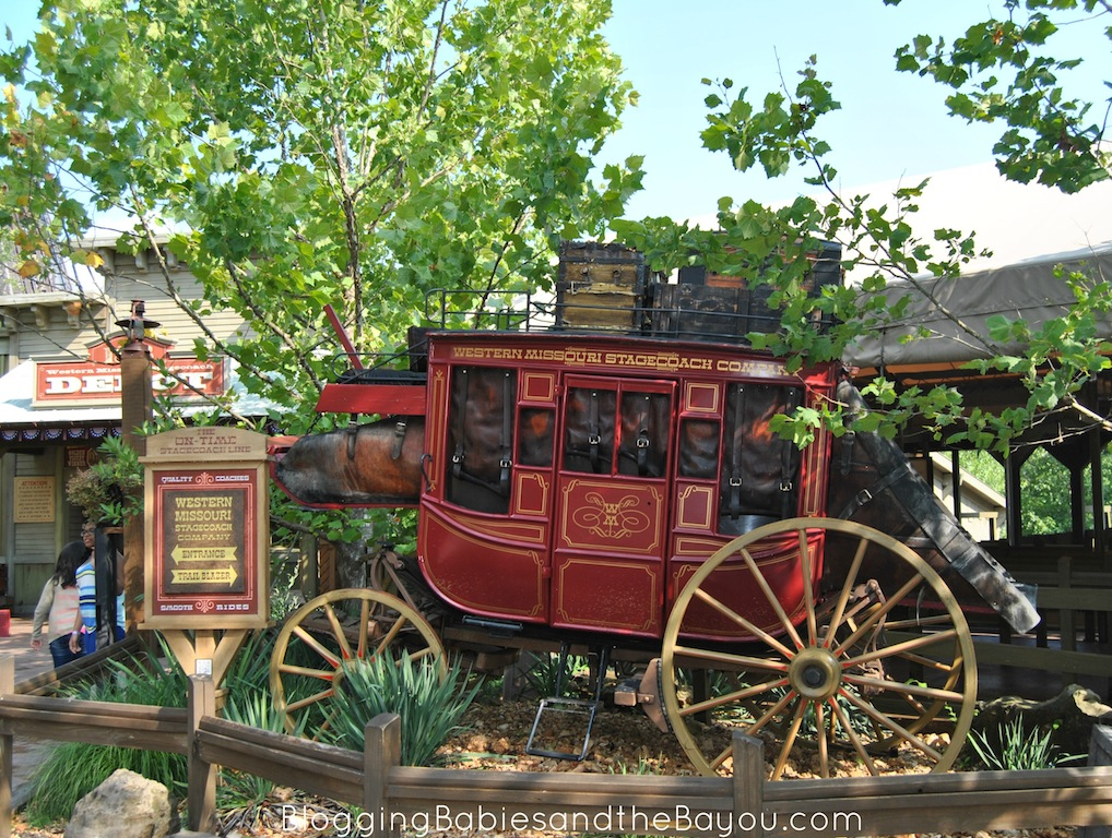 American Craftsmanship and Silver Dollar City in Branson Missouri #ExploreBranson #BayouTravel