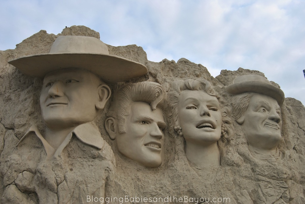 Top Family Attractions in Branson Missouri - Hollywood Wax Museum Branson #ExploreBranson #BayouTravel