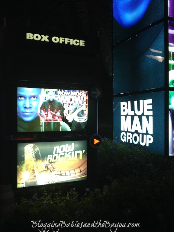 Universal Studios at Night - Blue Man Group - Family Attraction in Orlando #BayouTravel