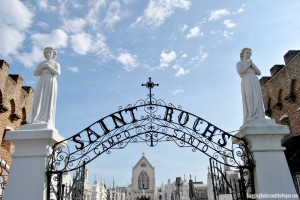 Things to Do in New Orleans – Walking Tour of Saint Roch Cemetery #BayouTravel
