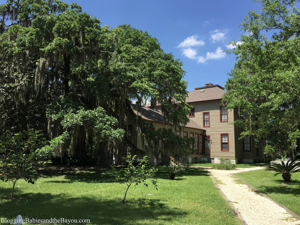 Beautiful Historic Homes in Louisiana - Otis House At The Fairview Riverside State Park #BayouTravel