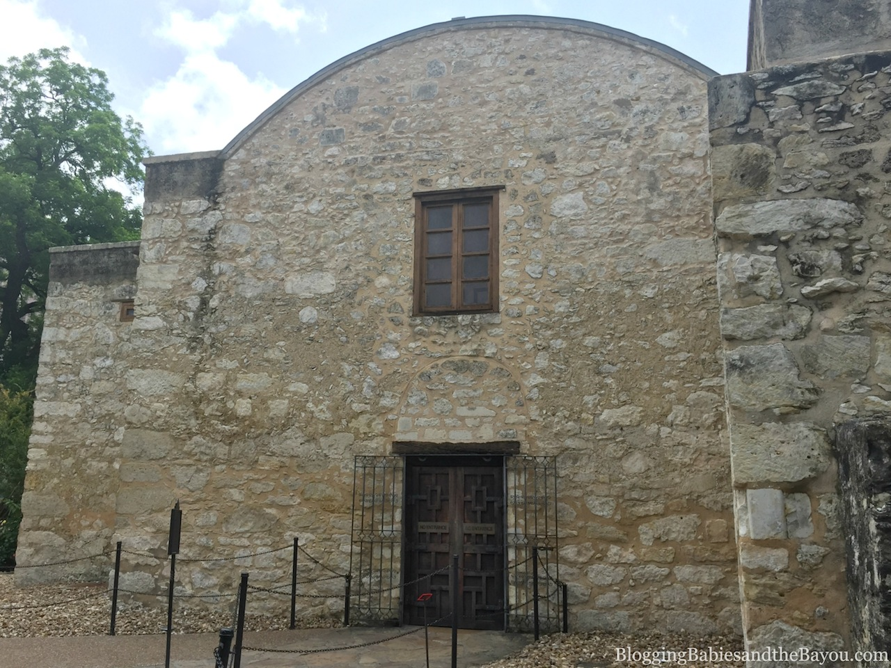 San Antonio Must See Family Attractions - The Alamo #BayouTravel  Texas Travel