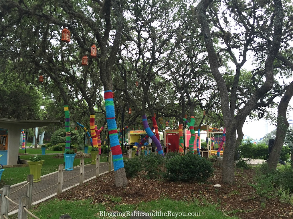San Antonio Theme Park Round Up Aquatica, SeaWorld Waterpark™ #BayouTravel #ad