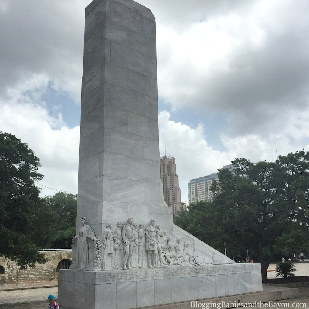 Tours in San Antonio - City Sightseeing San Antonio, Hop On - Hop Off Bus Tours #BayouTravel
