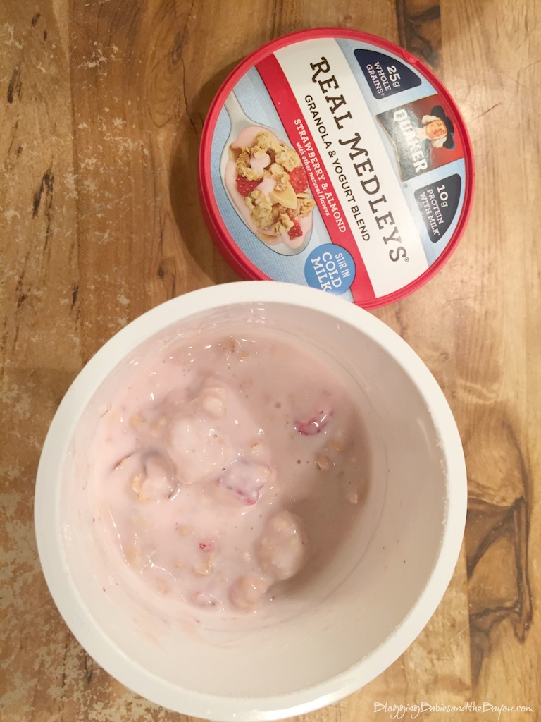 Breakfast Go-To Quaker Real Medleys Yogurt Cups #QuakerRealMedleys #CollectiveBias {ad}