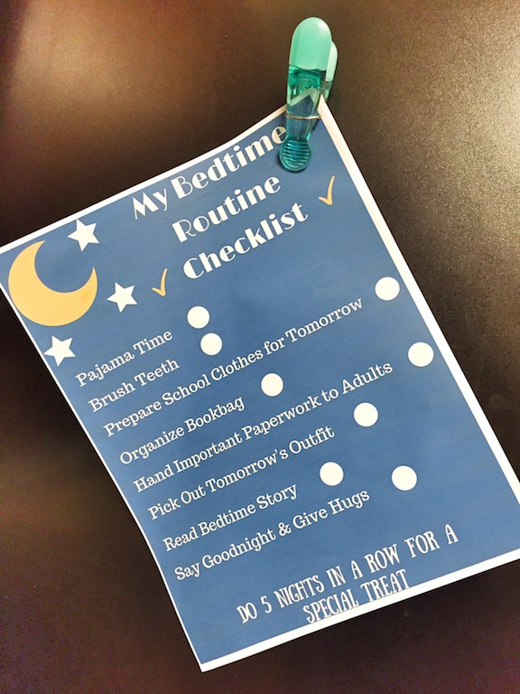Looking for an Easy P.M to A.M Transition? Bedtime Routine Checklist Printable #FuelforSchool {ad}