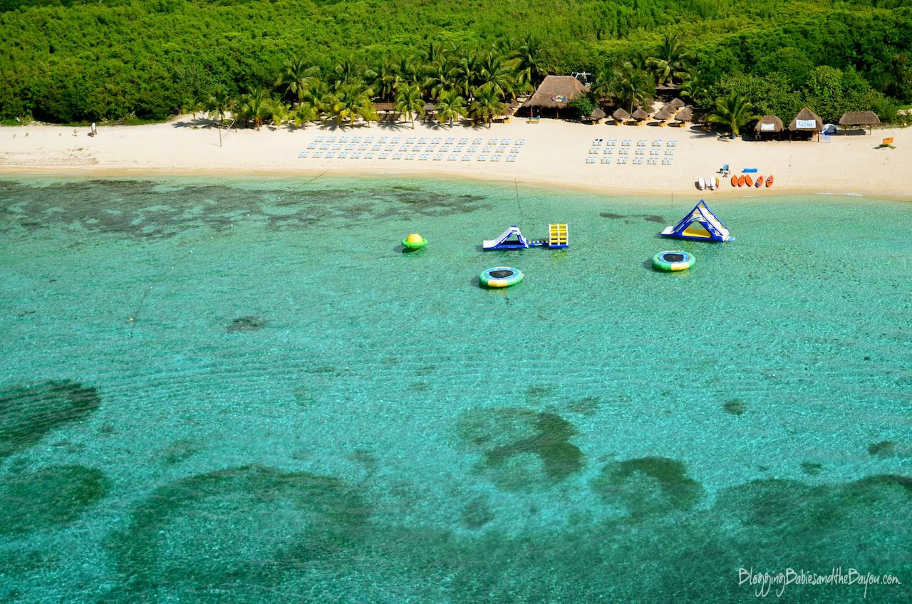 Mr. Sanchos Beach Resort - Parasailing in Mexico – Cruise Excursions in Cozumel #BayouTravel