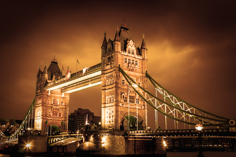 European Travel Bucket List - Attractions in the UK Tower Bridge, London UK #BayouTravel