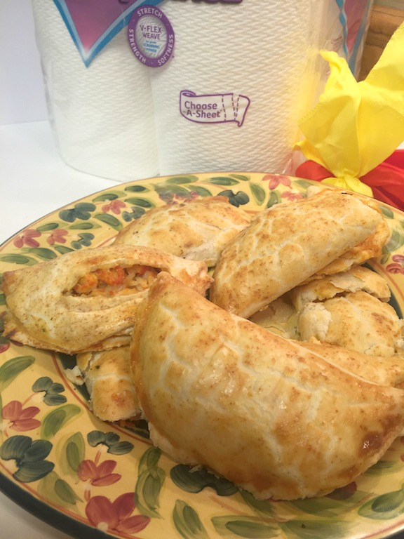 Serve up an instant touchdown with this game winning Baked Empanada Recipe -   Viva Vantage #GameTimeClean #Ad
