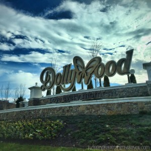 Celebrating the Holidays at Dollywood Pigeon Forge-Smoky Mountain Attractions #BayouTravel ad