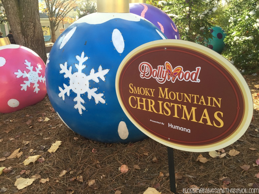Dollywood in Pigeon Forge Smoky Mountain Attractions #BayouTravel