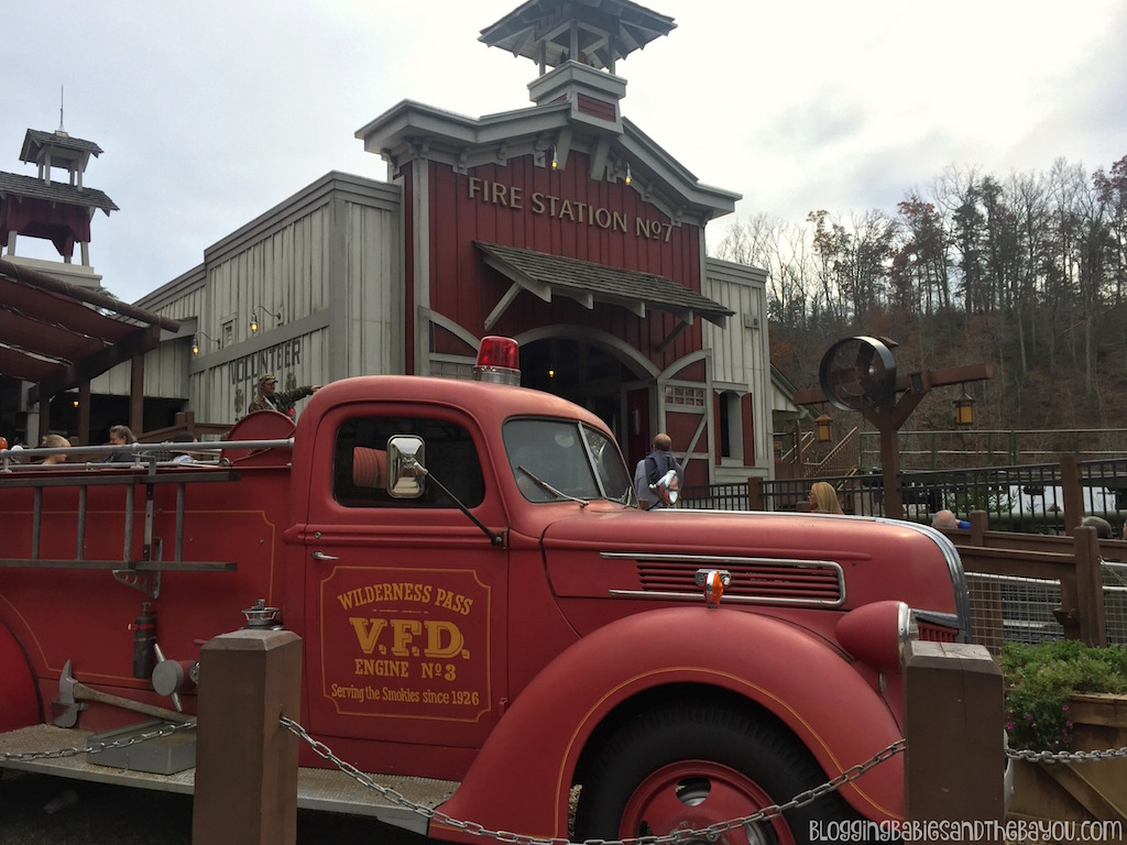New Rollercoasters at Dollywood - Dollywood in Pigeon Forge  Smoky Mountain Attractions #BayouTravel