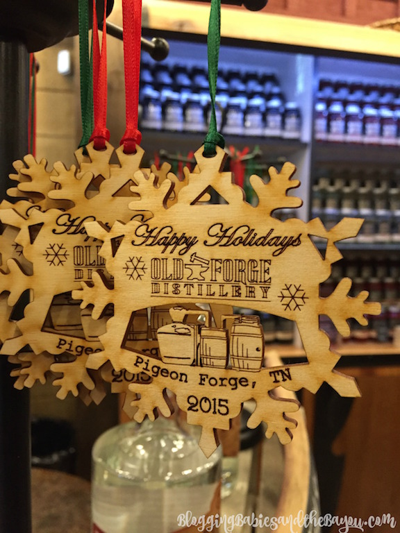 Old Forge Distillery Pigeon Forge - Gatlinburg Attractions- Smoky Mountain Wineries, Breweries, and Distilleries #BayouTravel