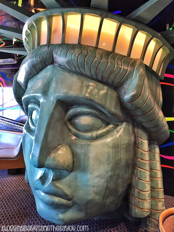 Carnival Cruise Elation - Ship Details, Decor, Duke's Piano Bar - Dining menu and more #BayouTravel