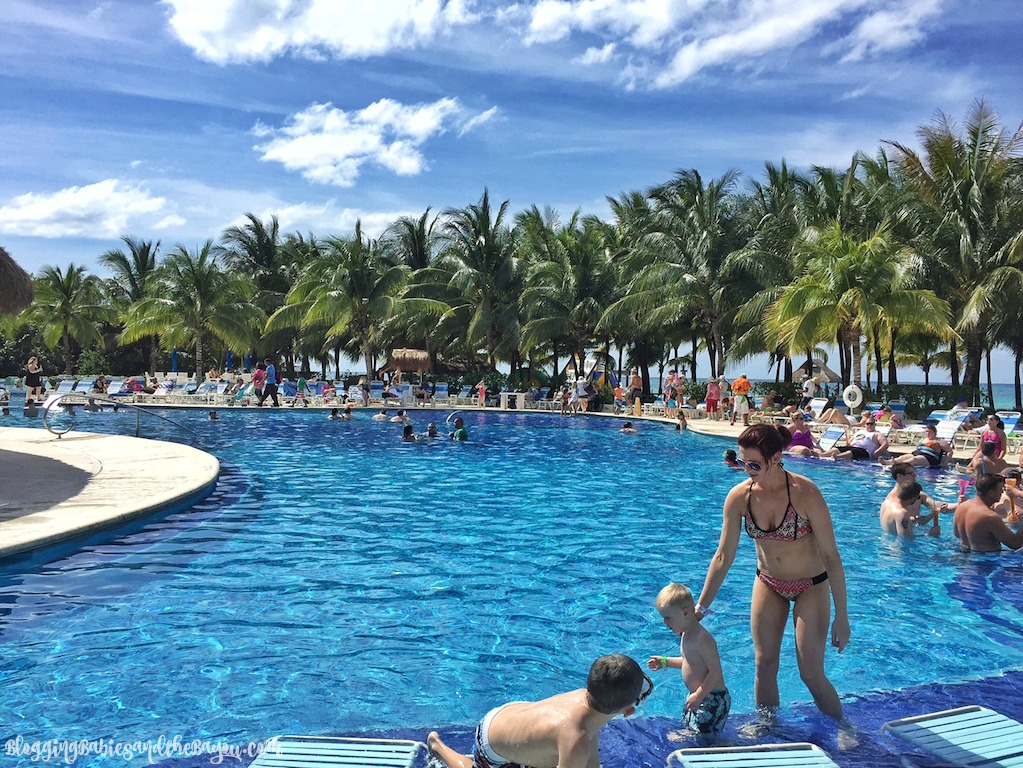 Private Beach Club in Cozumel Mexico - Resort Day Pass