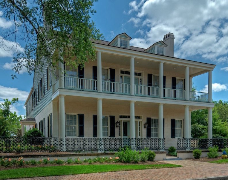 Fort Conde - Cruising Out of Mobile Alabama Soon? Mobile Area Hotels Near Cruise Terminal