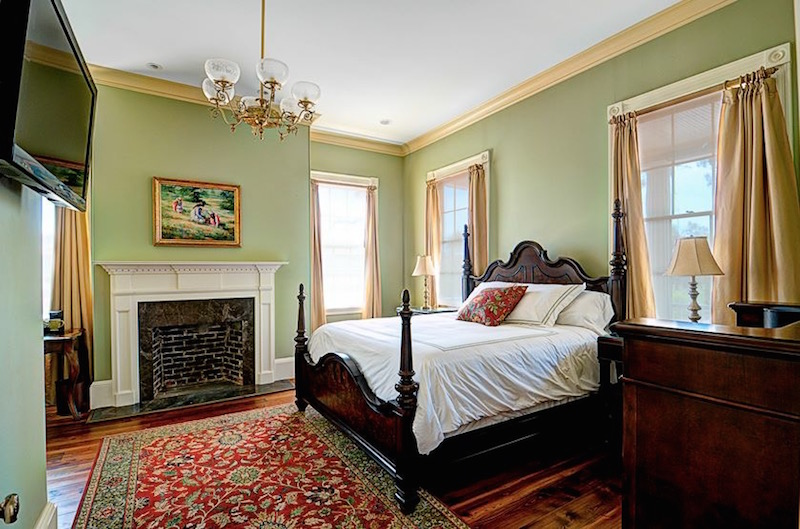 Fort Conde Inn - Cruising Out of Mobile Alabama Soon? Mobile Area Hotels Near Cruise Terminal